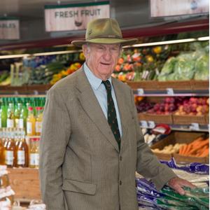 alan in becketts farm shop